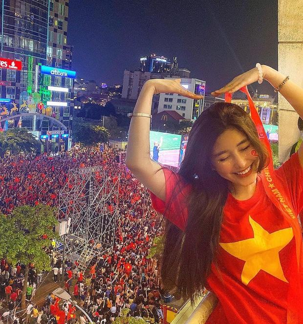 Cả dàn sao Việt nhuộm đỏ mạng xã hội khi cùng diện áo đỏ mừng chiến thắng của đội tuyển Việt Nam - Ảnh 14.
