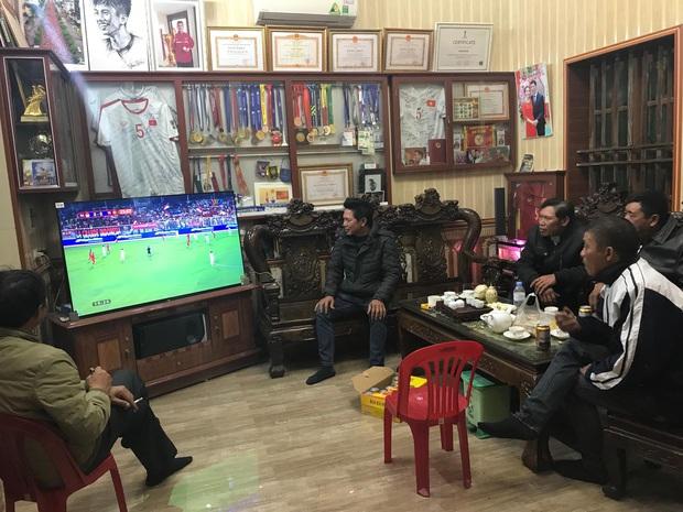 Mẹ thủ môn Văn Toản bật khóc khi nhìn con trai cùng U22 Việt Nam hát Quốc ca trong trận chung kết SEA Games 30 - Ảnh 9.