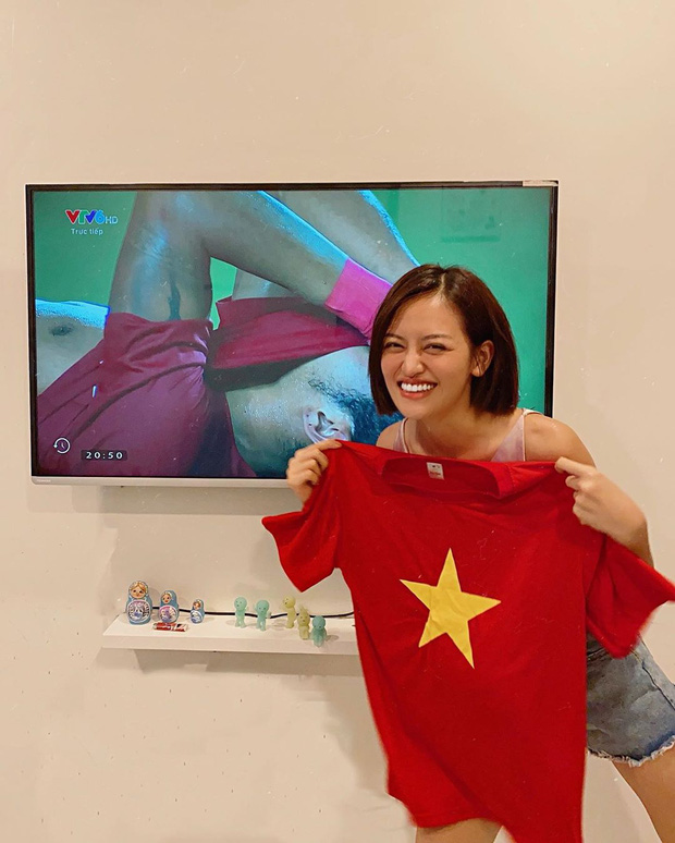 Cả dàn sao Việt nhuộm đỏ mạng xã hội khi cùng diện áo đỏ mừng chiến thắng của đội tuyển Việt Nam - Ảnh 2.