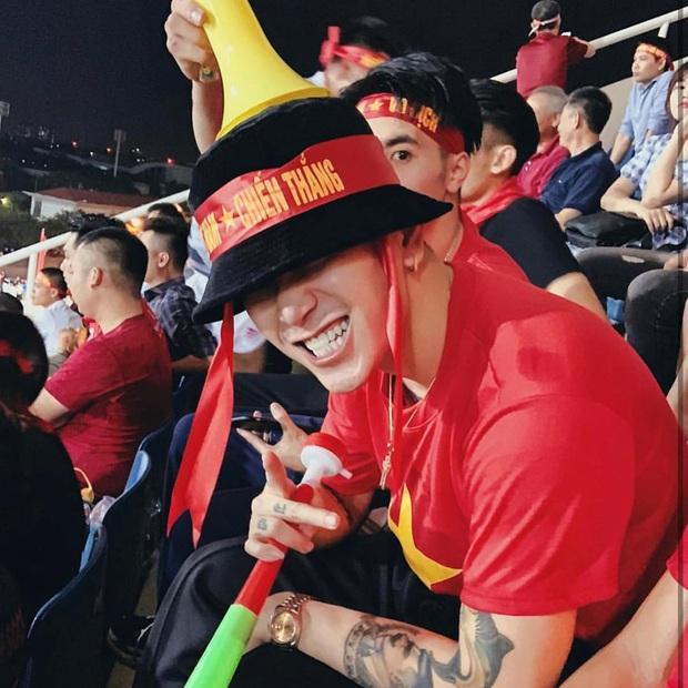 Cả dàn sao Việt nhuộm đỏ mạng xã hội khi cùng diện áo đỏ mừng chiến thắng của đội tuyển Việt Nam - Ảnh 13.