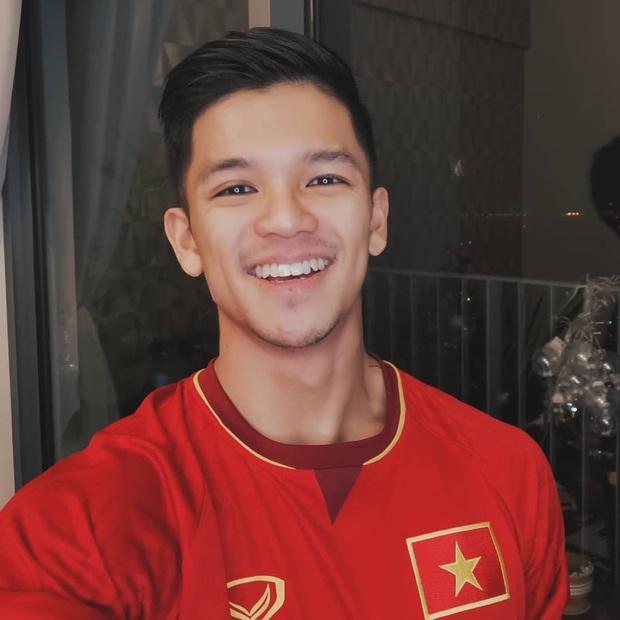 Cả dàn sao Việt nhuộm đỏ mạng xã hội khi cùng diện áo đỏ mừng chiến thắng của đội tuyển Việt Nam - Ảnh 11.
