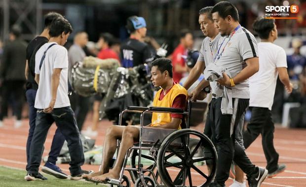 Cãi cùn với trọng tài, trai hư của Indonesia bị Thành Chung cho tắt điện - Ảnh 9.