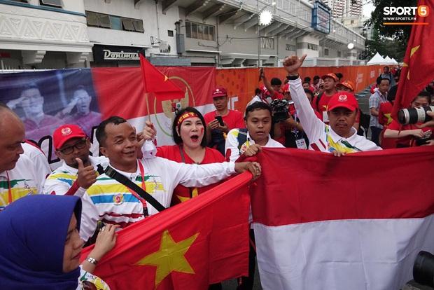 Đội tuyển U22 Việt Nam đã có mặt tại sân, sẵn sàng chinh phục tấm HCV SEA Games - Ảnh 10.
