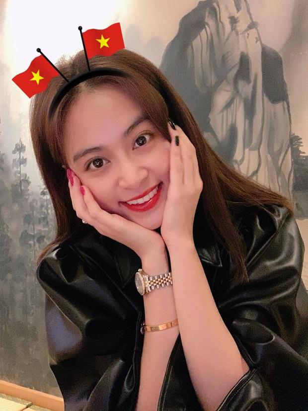 Cả dàn sao Việt nhuộm đỏ mạng xã hội khi cùng diện áo đỏ mừng chiến thắng của đội tuyển Việt Nam - Ảnh 17.