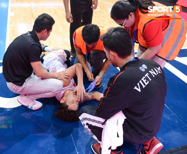 Vượt qua Indonesia một cách thuyết phục, đội tuyển bóng rổ Việt Nam viết nên trang sử mới với tấm huy chương đồng SEA Games - Ảnh 5.
