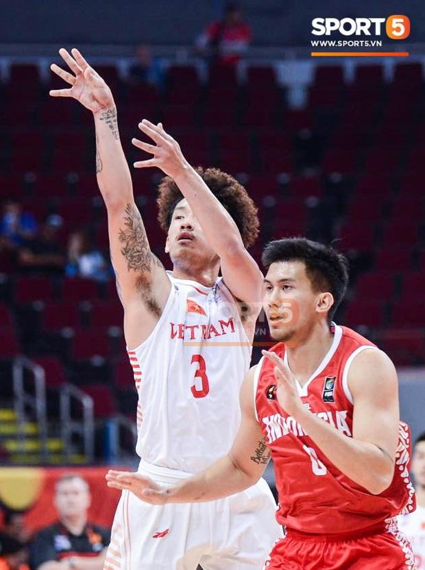 Vượt qua Indonesia một cách thuyết phục, đội tuyển bóng rổ Việt Nam viết nên trang sử mới với tấm huy chương đồng SEA Games - Ảnh 4.