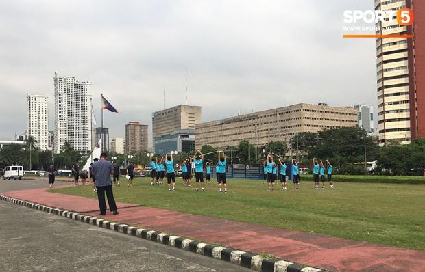 Đội tuyển U22 Việt Nam đã có mặt tại sân, sẵn sàng chinh phục tấm HCV SEA Games - Ảnh 36.