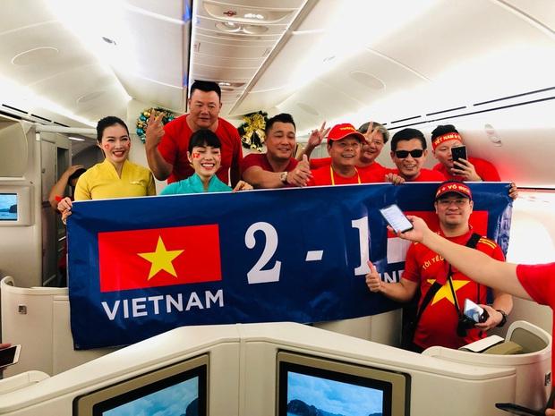 Đội tuyển U22 Việt Nam đã có mặt tại sân, sẵn sàng chinh phục tấm HCV SEA Games - Ảnh 13.