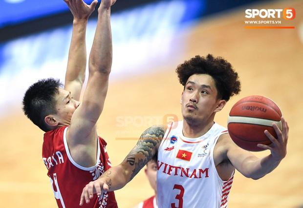 Vượt qua Indonesia một cách thuyết phục, đội tuyển bóng rổ Việt Nam viết nên trang sử mới với tấm huy chương đồng SEA Games - Ảnh 3.