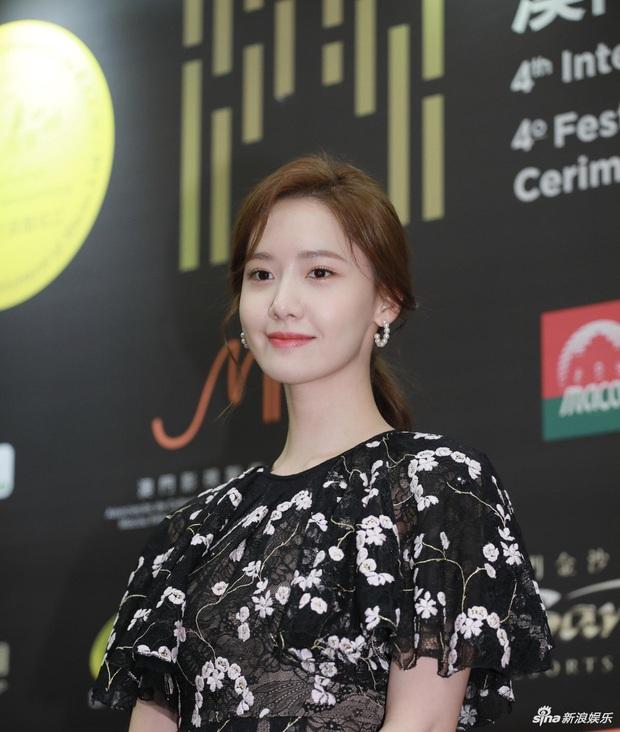 Cận cảnh 2 nhan sắc nữ thần Kpop ngày hôm qua: Yoona đẹp không tì vết, Jennie dù bị dìm nhưng vẫn siêu cưng - Ảnh 4.