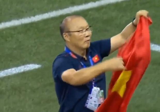 Không chỉ làm nên lịch sử cho bóng đá Việt Nam, HLV Park Hang Seo còn là ngôi sao rating của show thực tế Hàn Quốc - Ảnh 3.