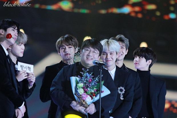 Thực hư tin đồn BTS khởi kiện Big Hit vì tranh chấp lợi nhuận: trưởng nhóm gửi lời cảm ơn đến chủ tịch Big Hit, thậm chí còn hứa hẹn ra mắt sản phẩm âm nhạc mới - Ảnh 3.