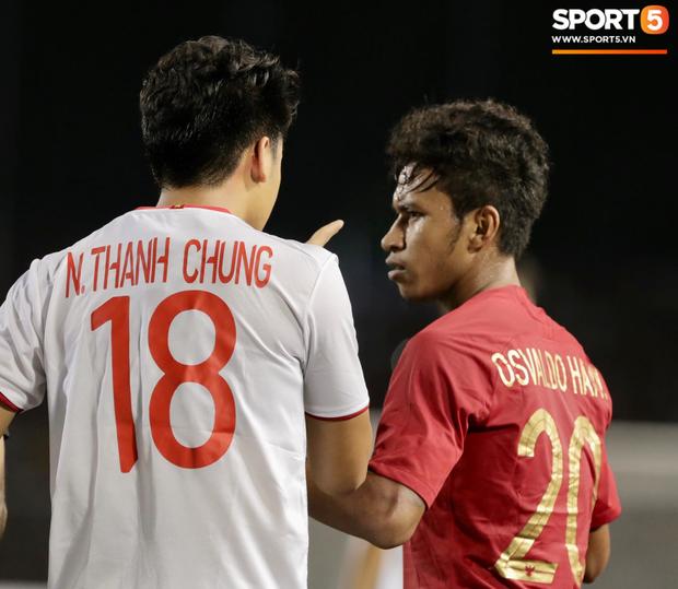 Cãi cùn với trọng tài, trai hư của Indonesia bị Thành Chung cho tắt điện - Ảnh 7.