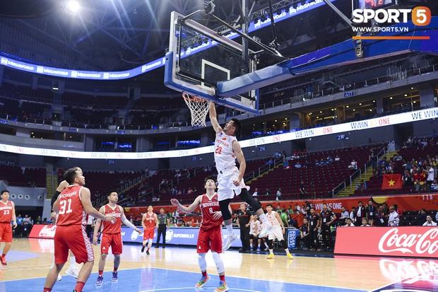 Chùm ảnh: Bật tung cảm xúc khi bóng rổ Việt Nam lần đầu giành tấm huy chương đồng tại SEA Games - Ảnh 13.