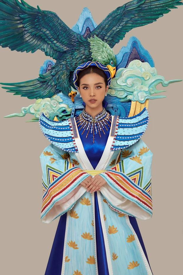 Hé lộ Quốc phục đại bàng sải cánh của Thúy An mang đến Miss Intercontinental, hoà cùng chiến thắng của U22 Việt Nam - Ảnh 3.