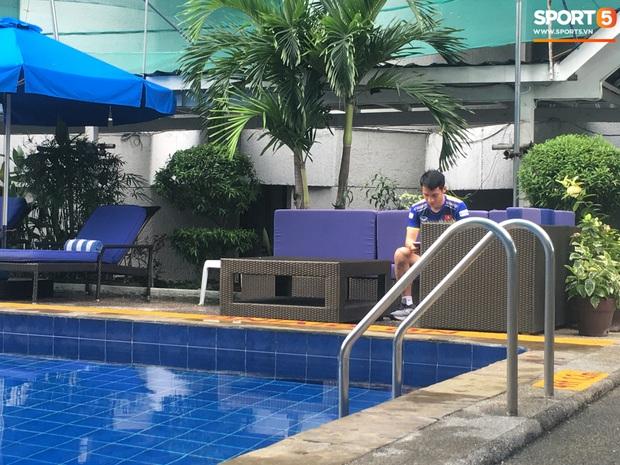 Tiền vệ U22 Việt Nam thích thú khi xem chú chó tiên tri Nhật Bản dự đoán tỷ số trận chung kết SEA Games 30 - Ảnh 7.