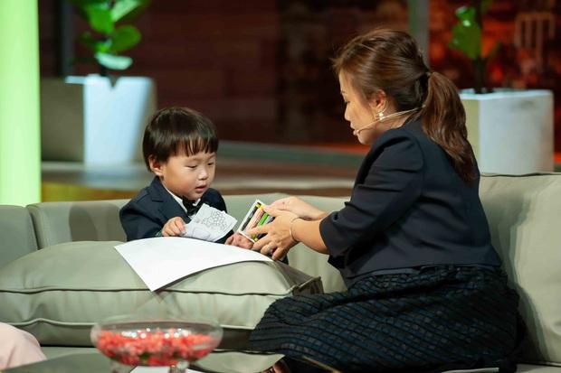 Bé Sa hiếu kỳ trước chú Trấn Thành, Quỳnh Trần JP bật khóc nhớ lại nỗi đau từng mất con - Ảnh 14.