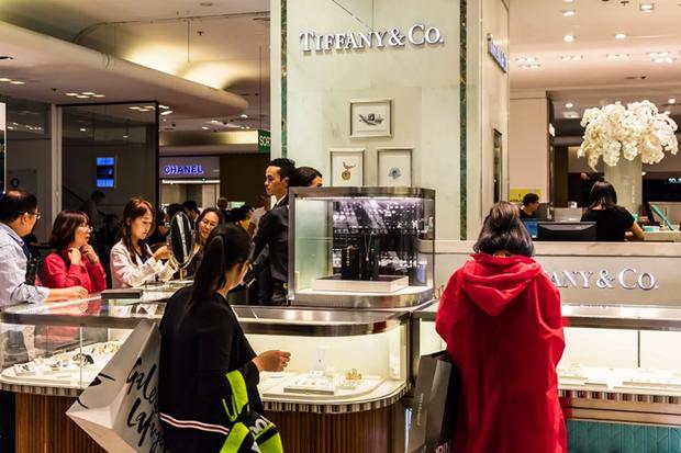 Choáng ngợp với mức độ mua sắm của sinh viên Trung Quốc tại trời Tây - Ảnh 1.