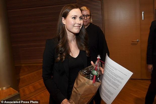 Hé lộ thêm thông tin về nữ thủ tướng trẻ nhất thế giới: Từ nữ bồi bàn, phát báo đến con đường thăng tiến nhanh như vũ bão - Ảnh 2.