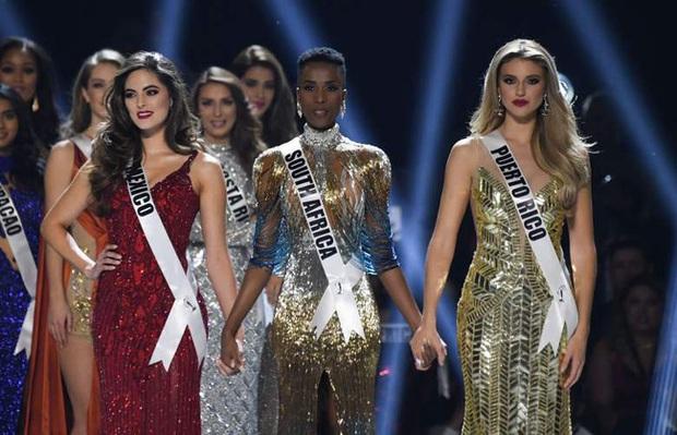 Bật mí chi tiết váy đỉnh cao giúp Zozibini Tunzi che nhược điểm đôi vai để xuất sắc đăng quang Miss Universe 2019 - Ảnh 2.