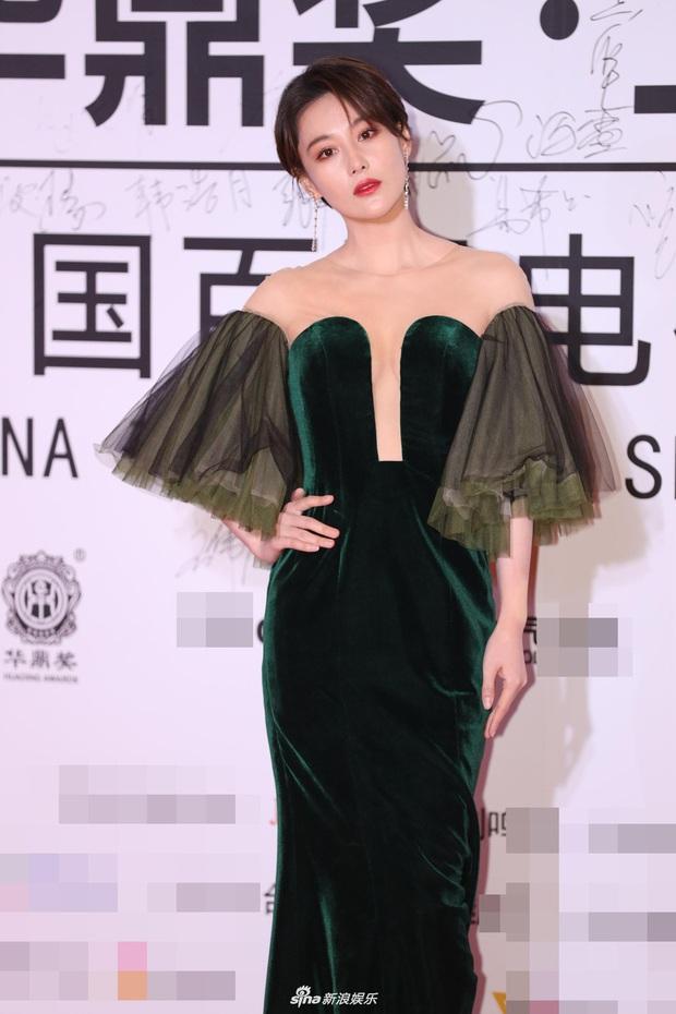 """2 thảm đỏ khủng """"gây nổ"""" Macau: Yoona đẹp băng thanh ngọc khiết, mẹ bỉm sữa Trương Hinh Dư sexy ngút ngàn - Ảnh 7."""