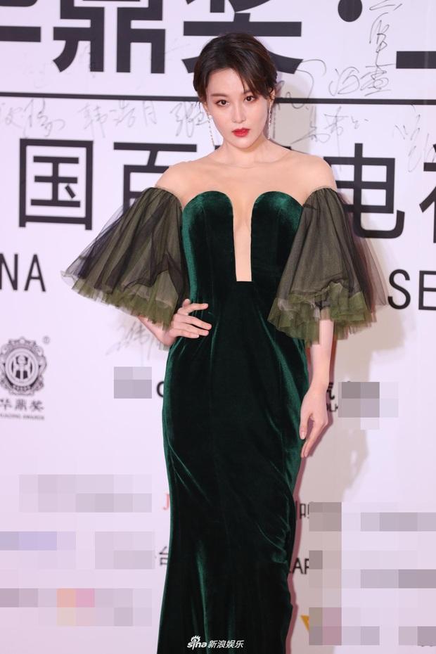 """2 thảm đỏ khủng """"gây nổ"""" Macau: Yoona đẹp băng thanh ngọc khiết, mẹ bỉm sữa Trương Hinh Dư sexy ngút ngàn - Ảnh 8."""