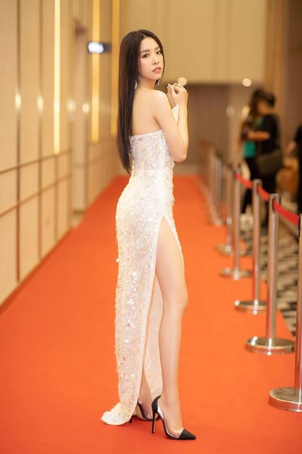 """Diện bộ đầm xẻ cao để đáp trả những nghi ngại về nhan sắc, tân Hoa hậu Khánh Vân """"đụng hàng"""" cả loạt Hoa hậu đàn chị - Ảnh 6."""