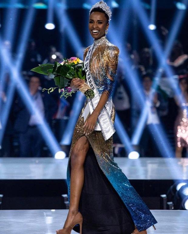 Bật mí chi tiết váy đỉnh cao giúp Zozibini Tunzi che nhược điểm đôi vai để xuất sắc đăng quang Miss Universe 2019 - Ảnh 7.