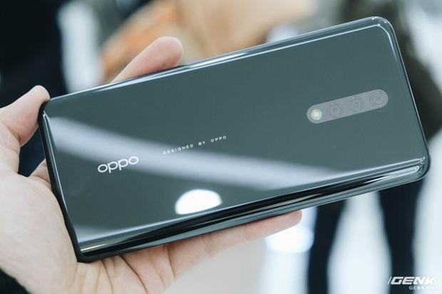 Cận cảnh smartphone camera ẩn dưới màn hình, không có cổng sạc của Oppo - Ảnh 9.