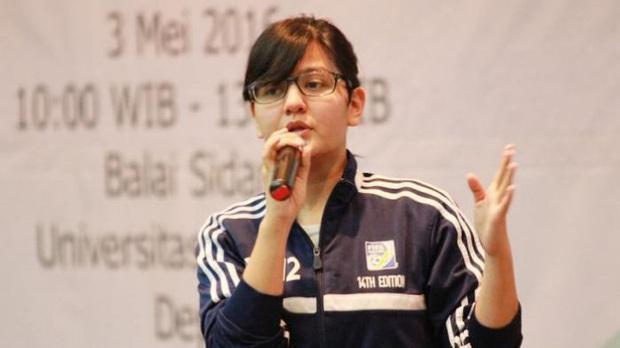 Tổng thư ký xinh đẹp bật khóc khi tiễn U22 Indonesia đến SVĐ, quyết thắng trận chung kết SEA Games 30 với Việt Nam - Ảnh 6.