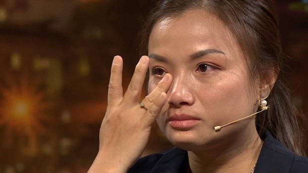 Bé Sa hiếu kỳ trước chú Trấn Thành, Quỳnh Trần JP bật khóc nhớ lại nỗi đau từng mất con - Ảnh 9.