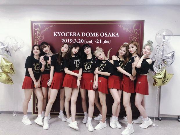 TWICE và một năm hoạt động chăm chỉ, đổi mới nhưng đi kèm loạt bất ổn: Vị thế nhóm nhạc nữ số 1 Hàn Quốc hiện tại có dần lung lay? - Ảnh 8.