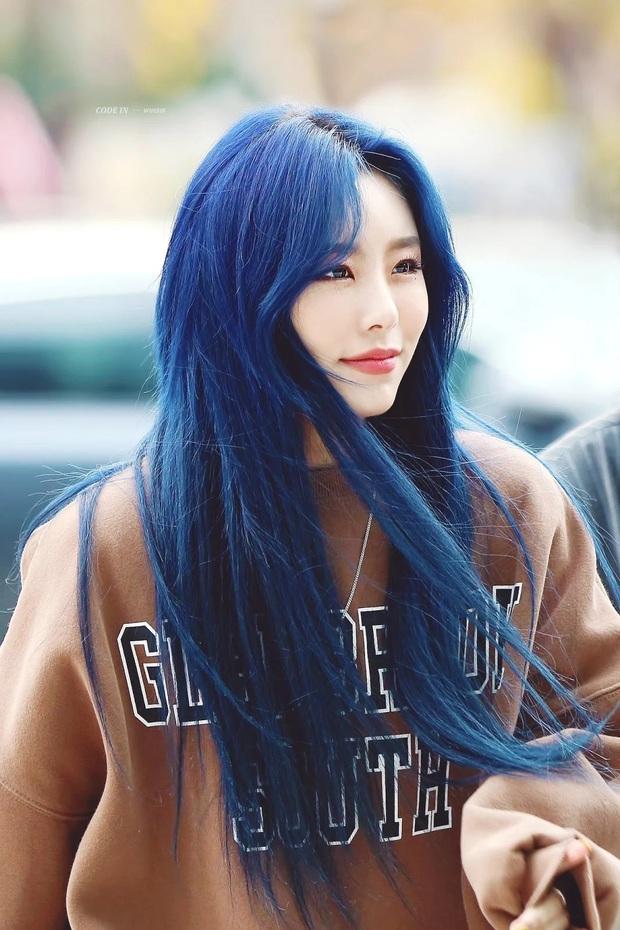 Bái phục idol Hàn khoản đoán tương lai: Cả binh đoàn đã nhuộm tóc xanh bắt trend trước khi biết màu chính thức của năm 2020 - Ảnh 6.