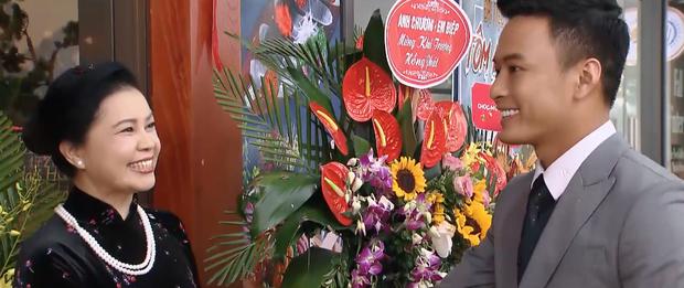 Preview Hoa Hồng Trên Ngực Trái tập 37: Bảo chơi lớn mua hẳn con xe xịn chỉ vì crush - Ảnh 2.