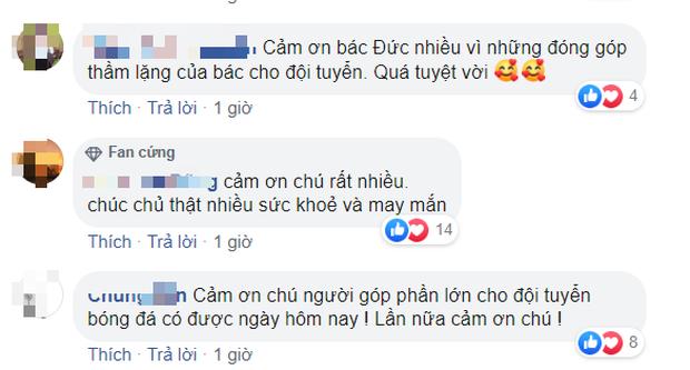 U22 Việt Nam vô địch SEA Games, fan hâm mộ không quên cảm ơn bầu Đức khi thấy ông lặng theo dõi trận chung kết qua tivi - Ảnh 6.