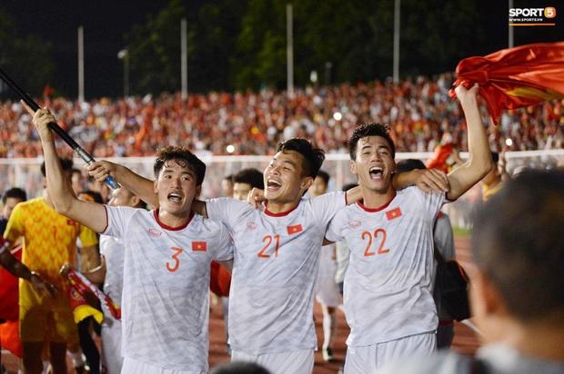 Huỳnh Tấn Sinh - nam thần thế hệ mới của U22 Việt Nam: Cao 1m82 với gương mặt visual, gì chứ múi thì anh không thiếu - Ảnh 3.