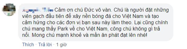 U22 Việt Nam vô địch SEA Games, fan hâm mộ không quên cảm ơn bầu Đức khi thấy ông lặng theo dõi trận chung kết qua tivi - Ảnh 9.