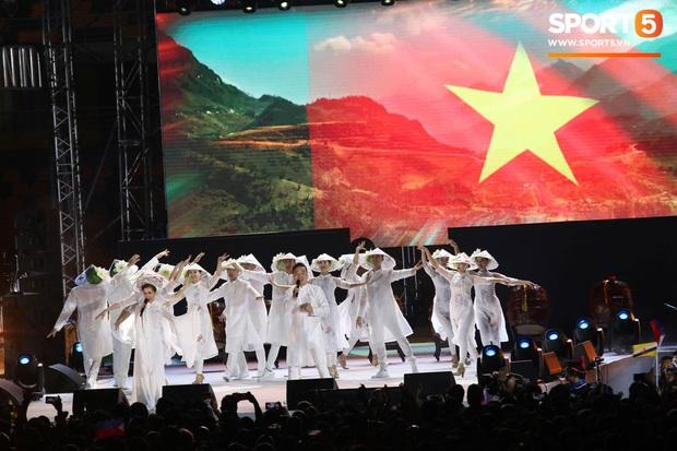 Bế mạc SEA Games 30: Việt Nam nhận cờ đăng cai Đại hội thể thao Đông Nam Á lần thứ 31 - Ảnh 6.