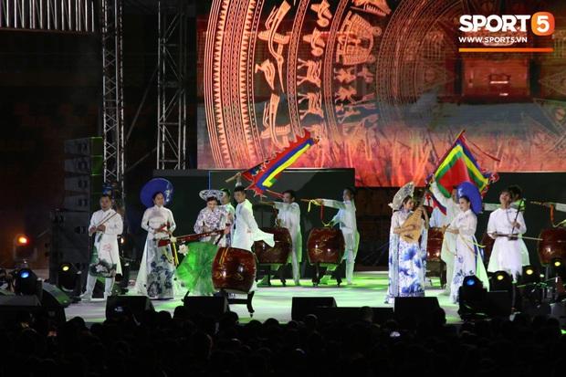 Bế mạc SEA Games 30: Việt Nam nhận cờ đăng cai Đại hội thể thao Đông Nam Á lần thứ 31 - Ảnh 5.
