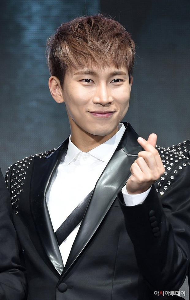 Netizen Hàn chọn ra 5 nam idol Kpop sinh ra là để làm leader: Toàn là đại diện gen 3, G-Dragon, Lee Teuk mất hút - Ảnh 4.