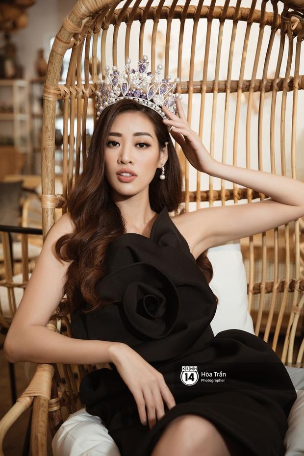 Bộ ảnh đầu tiên của Top 3 Hoa hậu Hoàn vũ sau đăng quang: Khánh Vân đẹp xuất thần, Kim Duyên và Thúy Vân sắc sảo mười phân vẹn mười - Ảnh 7.
