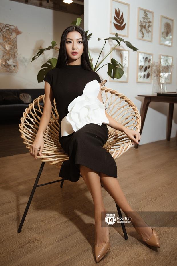 Bộ ảnh đầu tiên của Top 3 Hoa hậu Hoàn vũ sau đăng quang: Khánh Vân đẹp xuất thần, Kim Duyên và Thúy Vân sắc sảo mười phân vẹn mười - Ảnh 15.