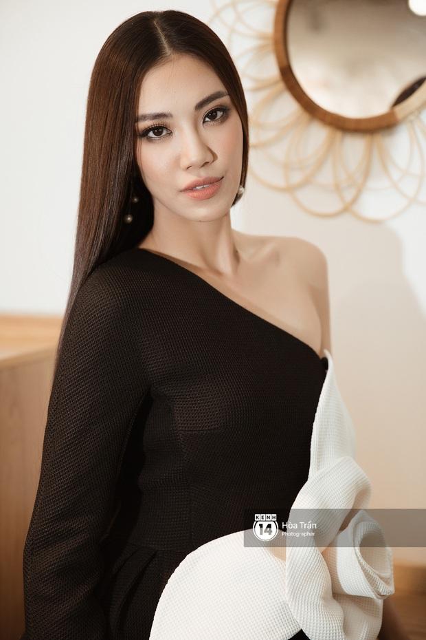 Bộ ảnh đầu tiên của Top 3 Hoa hậu Hoàn vũ sau đăng quang: Khánh Vân đẹp xuất thần, Kim Duyên và Thúy Vân sắc sảo mười phân vẹn mười - Ảnh 12.