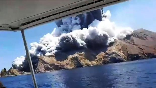 Núi lửa phun trào giết chết 5 người tại New Zealand: Tử thần sẽ không bao giờ dừng lại, bởi bản chất của đất nước này là như vậy - Ảnh 2.
