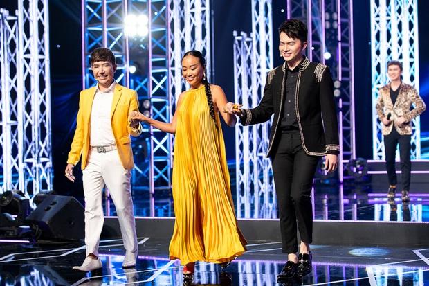 Cặp đôi vàng nhí: Long Nhật nhún nhảy không ngừng khi xem hot boy lai Hàn trình diễn hit Big Bang - Ảnh 1.