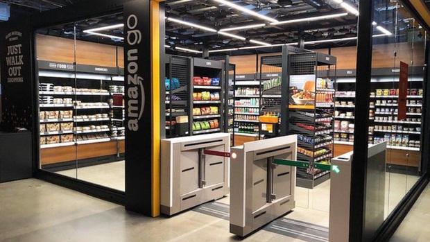 Tưởng siêu thị Vinmart Scan & Go xịn rồi, hóa ra ở Mỹ còn sang gấp bội đến mức ngỡ như phim viễn tưởng - Ảnh 2.