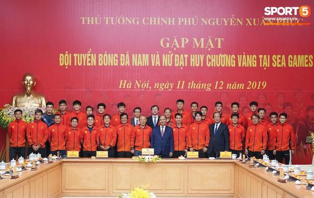 Thủ tướng Nguyễn Xuân Phúc gửi lời cảm ơn bầu Đức, bầu Hiển sau thành công của bóng đá Việt Nam tại SEA Games 30 - Ảnh 2.