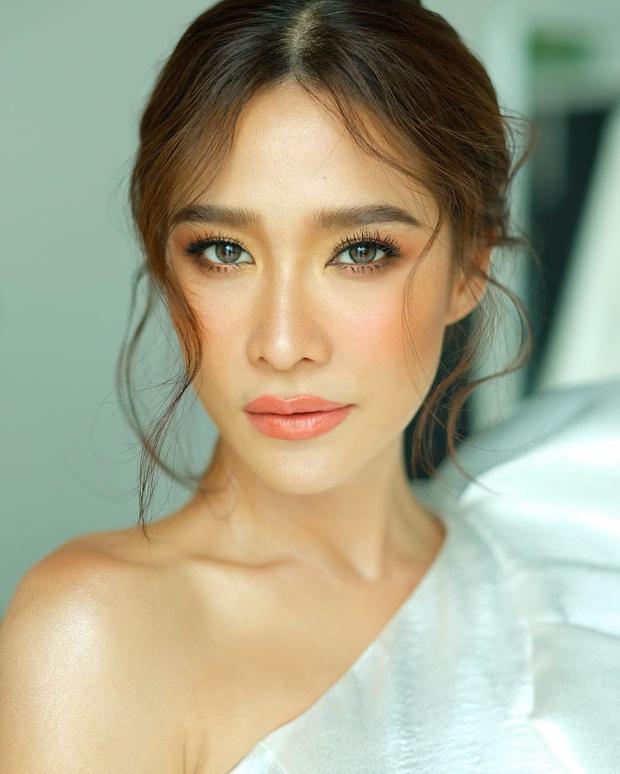 Bỏng mắt với 5 mĩ nhân siêng cởi nhất màn ảnh Thái: HLV The Face cũng táo bạo không kém phần ai - Ảnh 11.