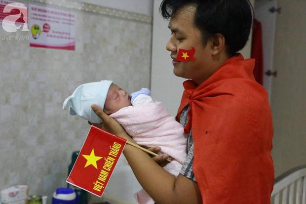 Những em bé chào đời trong giây phút U22 Việt Nam giành HCV SEA Games 30 - Ảnh 4.