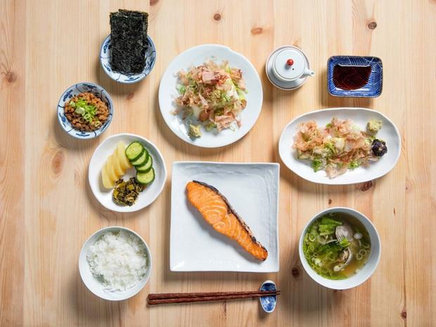 Phụ nữ Nhật giữ dáng thanh mảnh với 6 chiêu: Dùng bữa sáng thịnh soạn, ăn ít thịt và còn thú vị hơn thế - Ảnh 4.